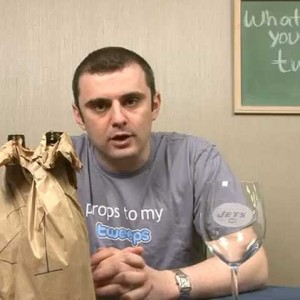 Gary Vaynerchuk Props to My Tweeps - Use Twitter to Build Relationships